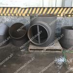 Детали трубпопровода на складе